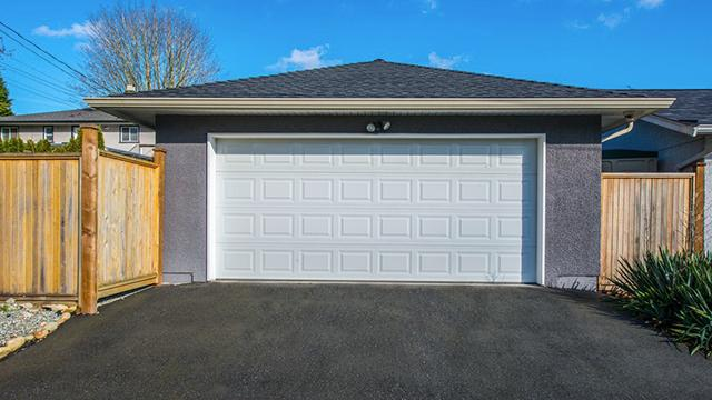 ... New Garage Door ...